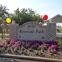 Riverside Park Apartments